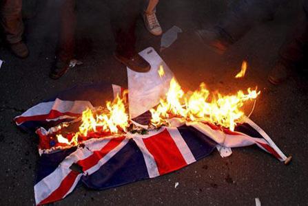 bandera-reino-unido-quemada